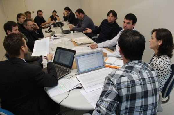 GT discutindo os processos de Engenharia Ambiental